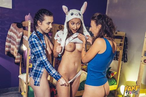 Lesbian Stacy Cruz, Emylia Argan in Seductive Scent Of Pussy .