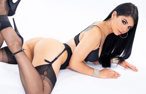 Gorgeous Gina Valentina Tricked Into Fucking Xxx 2019.