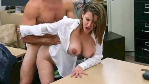 Foxy Business Lady Sex For Money Whit A Huge White Cock Guy HD.